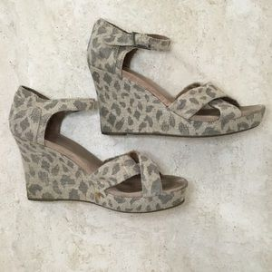 Toms Giraffe/Animal Print Wedge Sandals - Size 8
